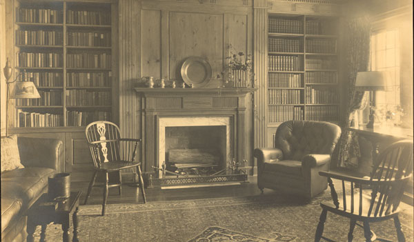The library at Penlyn. Photo courtesy of Margaret Dean. (s0081)